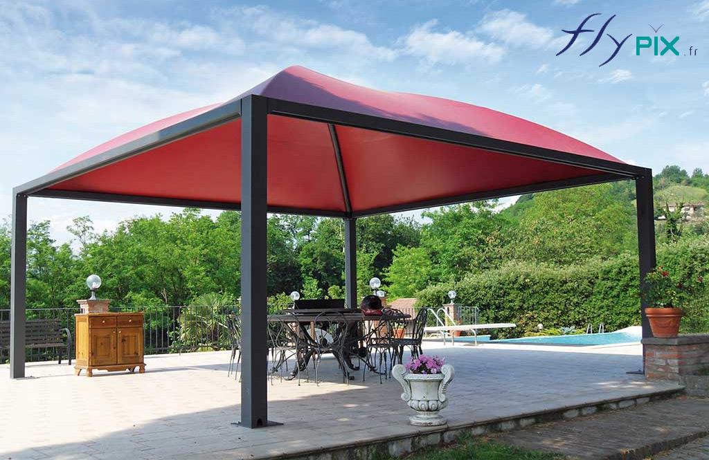 Préaustructure en acier galvanisé et thermolaquéL = 11.00 m l = 7.50 m, enveloppe PVC Lucido 650g/m2